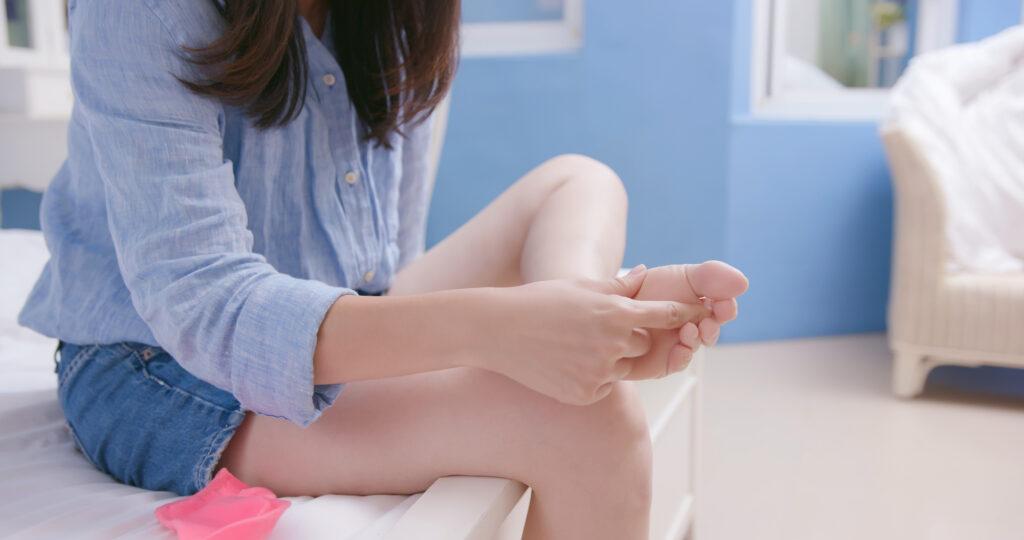 Woman has athletes foot |