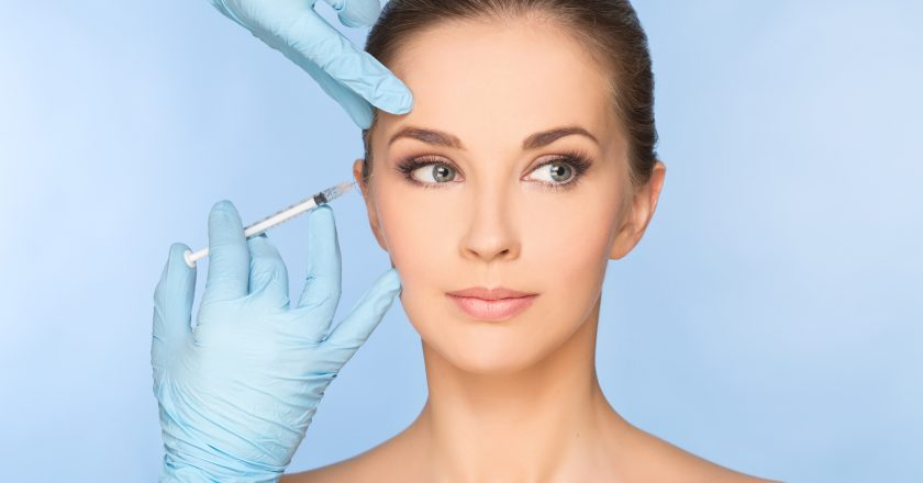 Beauty woman giving botox |