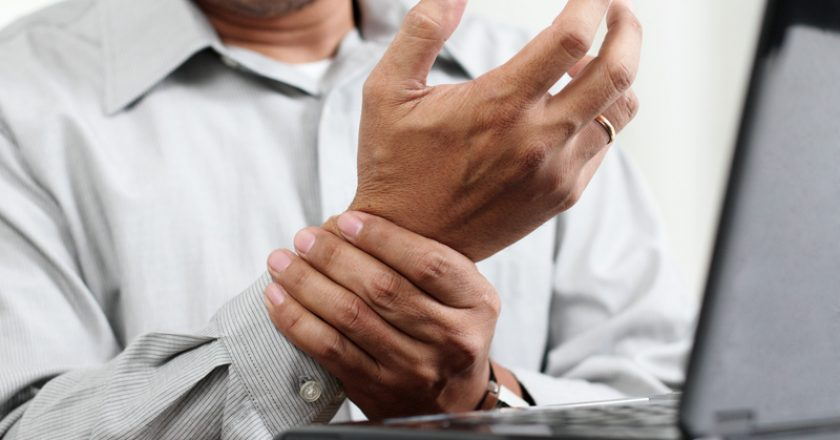 Hand Pain | © Maska82 | Dreamstime Stock Photos