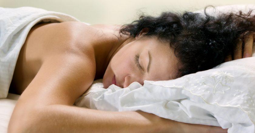 Sleeping woman | © Emde | Dreamstime Stock Photos