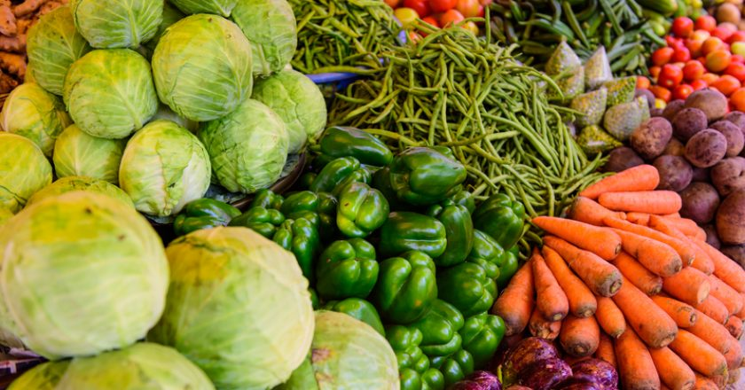 Organic farmers food market place. Fresh healthy products | © Exebiche | Dreamstime Stock Photos