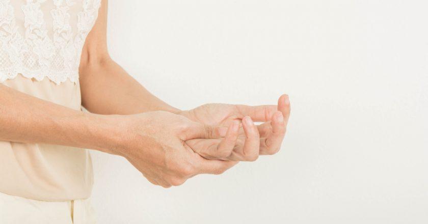 Numbness in hand   © Srisakorn   Dreamstime Stock Photos