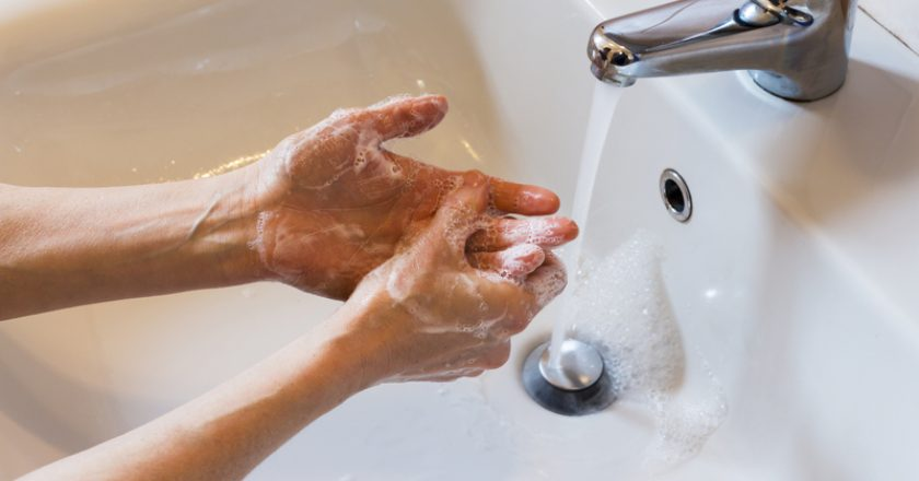 Woman washing hands with soap | © Caifas | Dreamstime Stock Photos