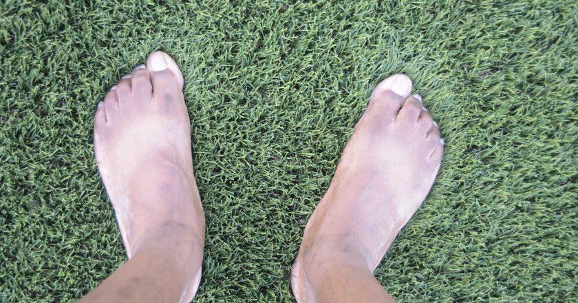 Flat Wide Feet