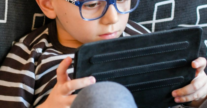 Boy with tablet | © Gkasabova | Dreamstime Stock Photos