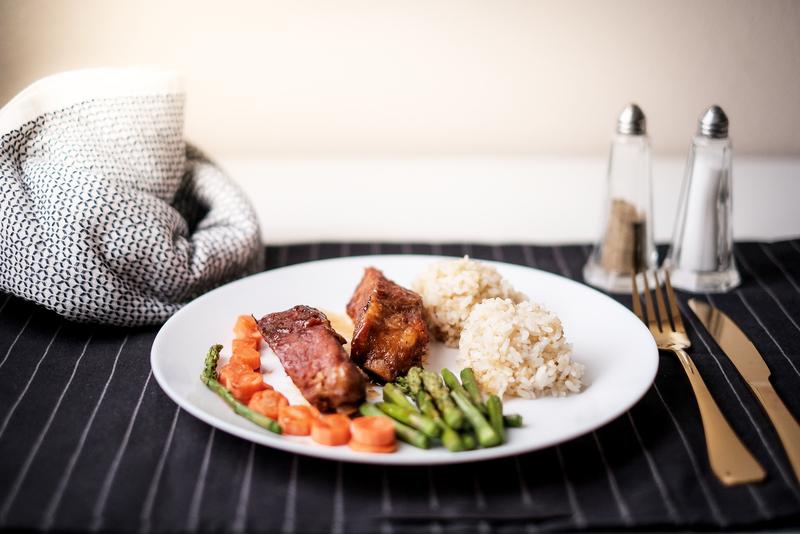 Healthy eating . diet food dinner dish. pork ribs and green bean, carrot , quinoa | © Pattiachann | Dreamstime Stock Photos