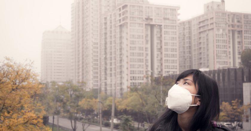 girl in air pollution | © Shaowen1994 | Dreamstime Stock Photos