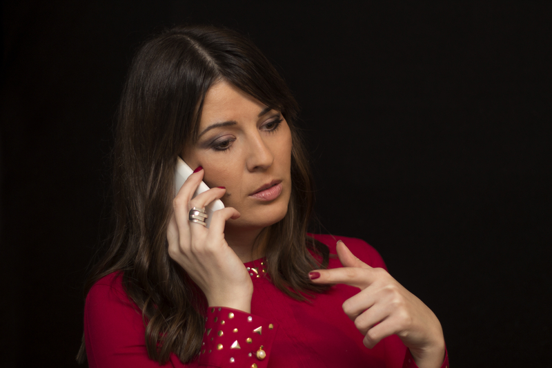 Gestures during talking with a phone | © Goldy83 | Dreamstime Stock Photos